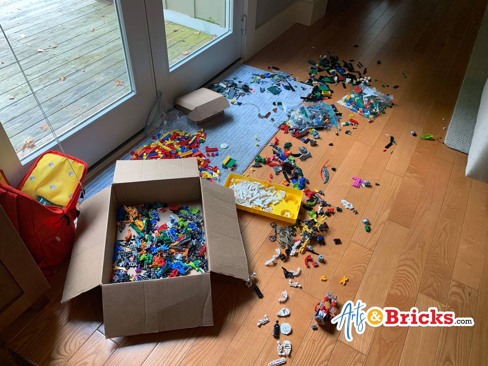 How many LEGO bricks are in 10 bulk pounds?