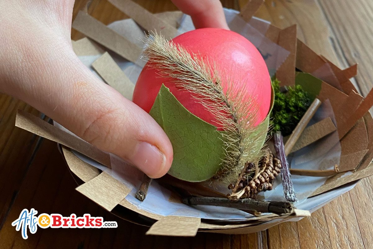 Blog - how to make a paper bag nest for easter egg display