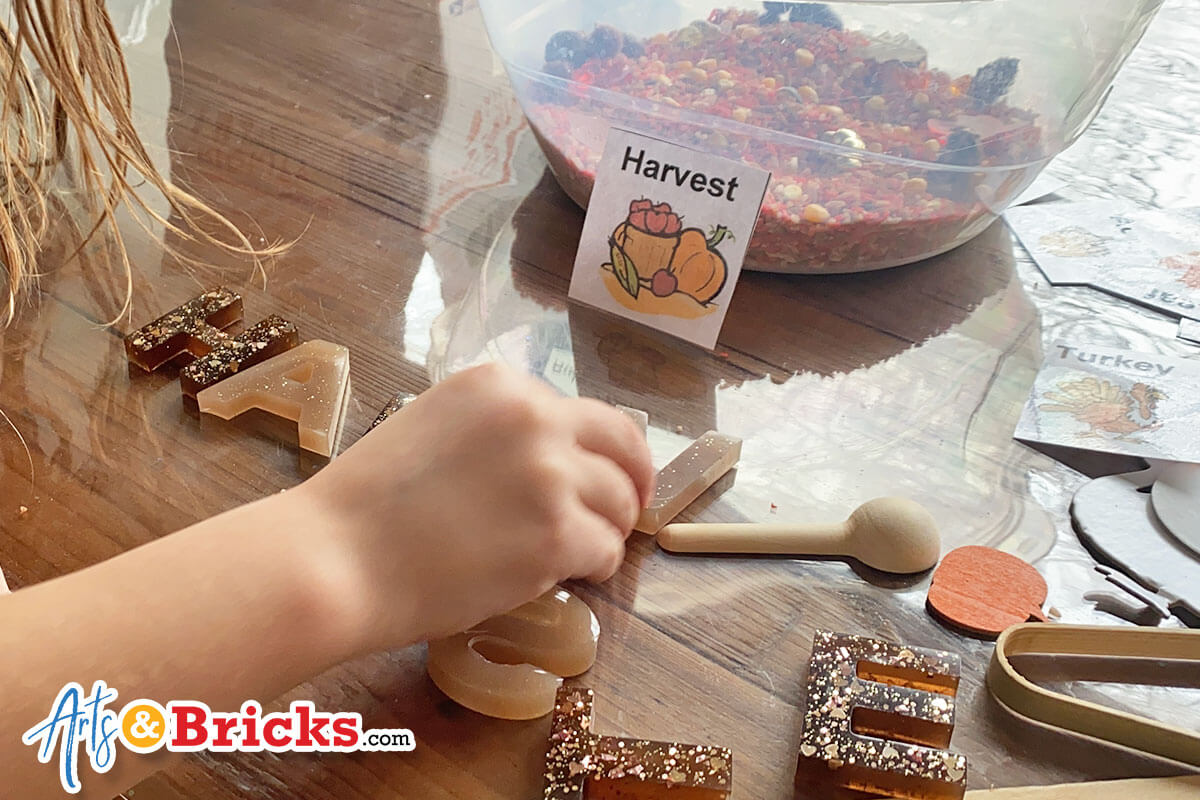 Learn about Busy Littles Sensory Jars - A momma small business from Rhode Island